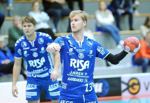 PÅ VENT: Det er trolig en stund til Nærbø, her representert ved Rassin Haugseng (t.v.) og Tord Aksnes Lode, får spille kamp igjen.