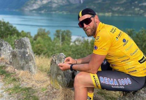 SPREK SYKLIST: Morten Sørensen syklet 1300 km til inntekt for barnekreftforeningen. – En fantastisk flott  tur. Norge er et vakkert land, sier han begeistret.