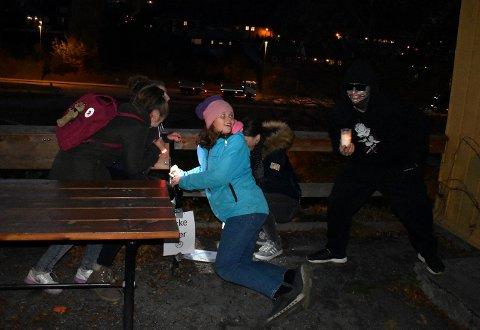 Anna Mork Vrålstad og venninnene var først ut på Grøss-kvelden under Kongsberg Krim tirsdag kveld.