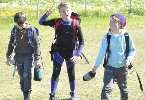 Skal dykke: Trygve, Martin og Erling er klar til bading!
