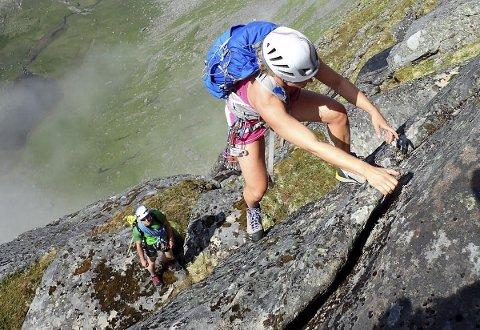 Opp, opp, opp: Lett klatring på vestryggen opp mot Maslitinden.      Foto: Signar Andre Nilsen