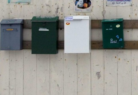 Posten: Noen abonnenter må vente til mandag før papiravisens lørdagsutgave kommer i postkassa. Arkivfoto: knut johansen