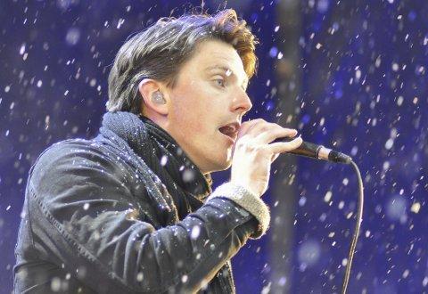 POPARTIST: Lofotværingen Bendik Kajander flyttet fra Tromsø i 2016, men kombinerer fortsatt jusstudiene og musikken. Nå kommer han til Tromsø og Driv på fredag, før han avslutter norgesturneen i Alta dagen etter.
