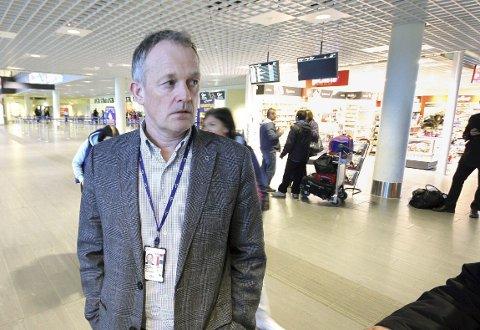 Klar tale: Flyplassdirektør Pål Tandberg ber om endringer i systemet. foto: espen vinje