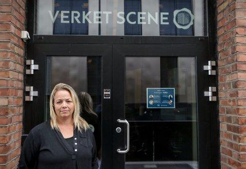 VANSKELIG SESONG I VENTE: Daglig leder på Verket Scene, Renate Holm, synes det er kjempetungt å drive Verket sånn som nå.