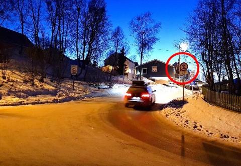 SKILT: Her er det ikke lov å kjøre fra klokken 07:00-09:00 på morgenen. Dette er et gammelt arkivbilde.