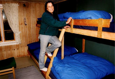 MANGE OVERNATTINGER: Øvresaga hadde 744 gjestedøgn i fjor. Bildet er fra ti år tilbake, da Karina Haregg var hyttefut på Øvresaga.