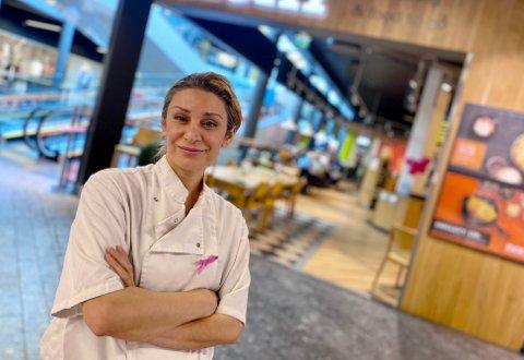 SMIL: Daglig leder på Kjøkken og Kafe, Matiné Cayman er fornøyd med Smilefjes-ordningen.