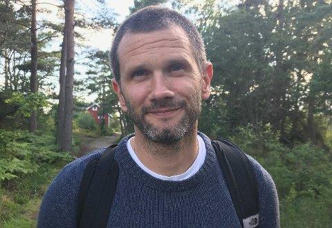 POSITIVE: Seniorrådgiver Fred Marius Svendsen hos Fylkesmannen vil gjerne få fram at de er positive til kyststi, også i Tjølling.