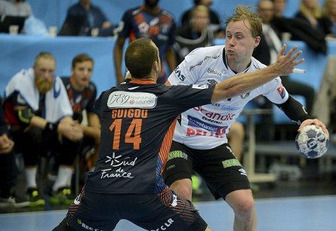 STORSPILTE: Nikolaj Mehl spilte sitt livs kamp da Montpellier måtte gi tapt for Elverum i Champions League i oktober. Nå kan Elverum møte de franske mesterne igjen. De er også å finne i puljen lag som skal spille enten i gruppe C eller D.