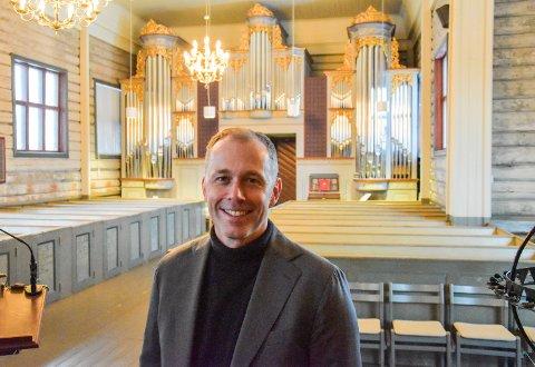 50-ÅRING SAMLER INN: Prost Ole Kristian Bonden vil holde konsert og samle inn penger til en cymbelstjerne. Anledningen er 50-årsdagen hans.