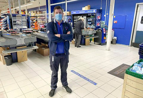 FORNYER: Thomas Klamerholm er kjøpmann på Rema 1000 Vallermyrene.