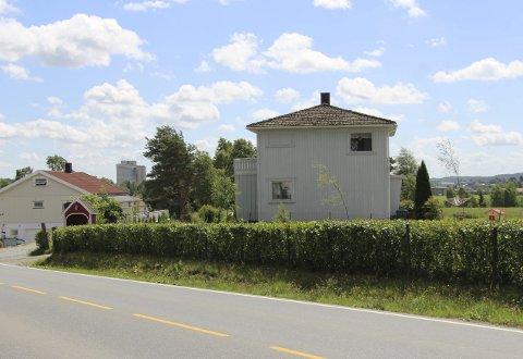 EIENDOM: Eidsbergveien 24 er overdradd for 1.800.000 kroner til Brødrene Haugaard Eiendom as.