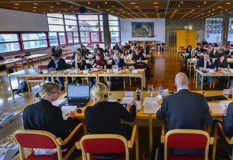 Tøffe tak: Politikerne i det nye kommunestyret i Rana står foran tøffe tak i budsjettarbeidet for 2016.Foto: Øyvind Bratt