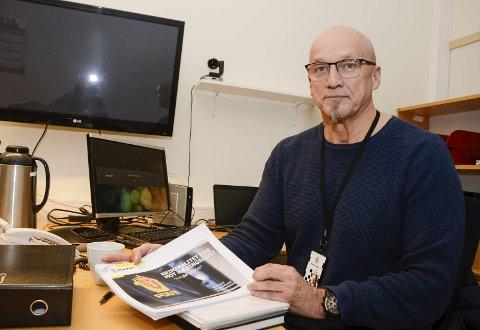 VKTIG: – Det er viktig at det i lovs form slås fast hva minstelønna skal være, sier næringslivskontakt Håvard Fjærli i Nordland politidistrikt. Foto: Arne Forbord