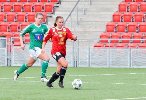 Bossmo & Ytteren ILs damelag har ikke uventet fått Innstranda som motstander i cupen. Her ser vi Ina Falkenhaug i aksjon. Kampen skal i utgangspunktet spilles 1. mai.