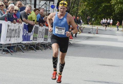 Andreas Bull-Tornøe fra Sokna imponerte i sitt andre maratonløp i fjor. RB-sporten tror på ny suksess i år.