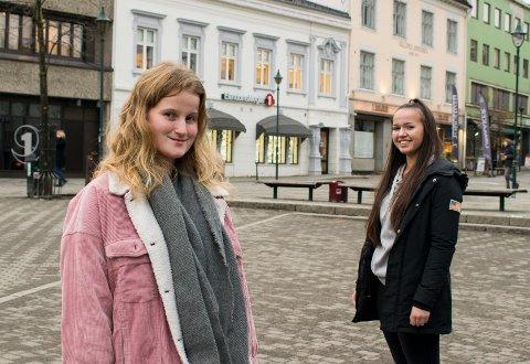 Mia Edvardsen Moen (18) og Hedda Rød Ouassou (16) er bevisst på hvordan deres vaner påvirker miljøet.
