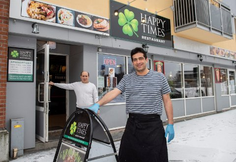 NY: Sabah Said (46) er ny sjef på kjøkkenet hos restauranten til Issam Kadhem, Happy Times, i Hønefoss. Med seg har han tatt en helt ny meny.