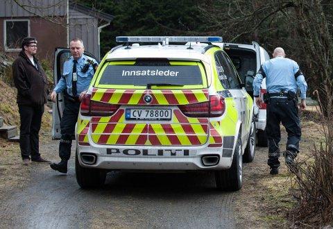 SLO TIL: Politiet slo tirsdag 5. april til mot en enebolig i Fet.