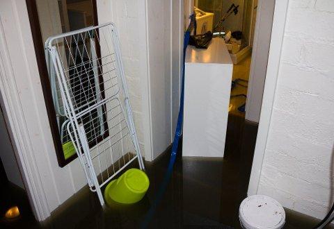 OVERSVØMMELSE: Flere kjellere på østlandet har blitt fylt av vann de siste ukene. Bildet er hentet fra en tidligere. ARKIVFOTO: Stine Løkstad