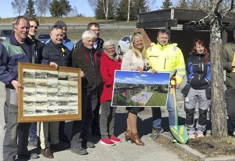 STOR GLEDE: Mange hadde møtt fram da byggestarten ble markert.
