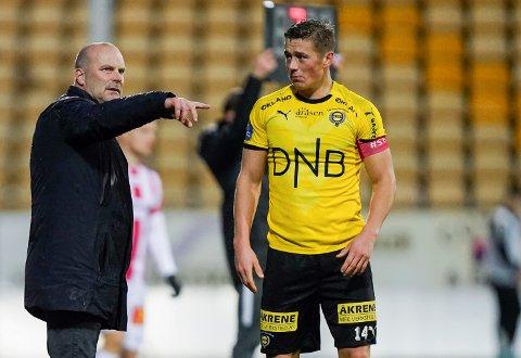 MØTTE LSK: Fredrik Krogstad (t.h.) forteller at han hadde et positivt møte med LSK-trener Geir Bakke. Bildet er fra hjemmekampen mot Tromsø i november.