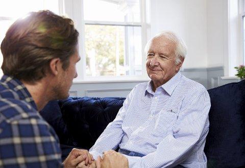 Man rådes til å tegne en fremtidsfullmakt for å sikre seg hvem som skal bestemme dersom du får Alzheimer eller en annen sykdom som svekker dine kognitive evner. Illustrasjonsfoto: Colourbox