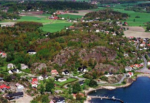 Høgenhall: Planområdet for en mulig utbygging ligger nordvest for Lahelle (nærmest) i Tønsbergfjorden. Arkivfoto: Olaf Akselsen