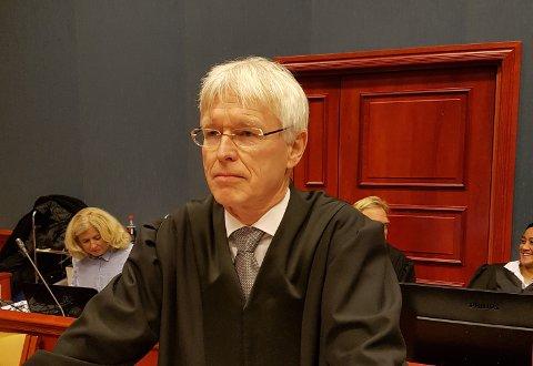 Advokat og forsvareren Johan Henrik Frøstrup til den tidligere Jotun-ansatte kom med hard kritikk av Sandefjord tingrett i sin prosedyre i lagmannsretten.