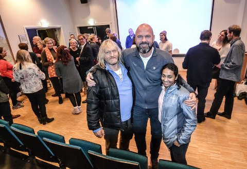KULT: – Jeg er imponert. Sykt kult, sier generalsekretær i DNT, Terje Clarp Solvang (47, i midten) om filmen som Kai Ugleseth (60) og Nashida Kristine Kaarbø (42) er sterkt delaktige i.