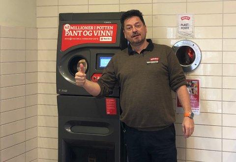 GOD STØTTE: Butikksjef hos Meny Åsane, Einar Stensheim, driver Vestfold-butikken hvor størst del av panten brukes i Pantelotteriet.
