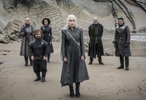 Hackere har stjålet manuset til den populære TV-serien «Game of Thrones».