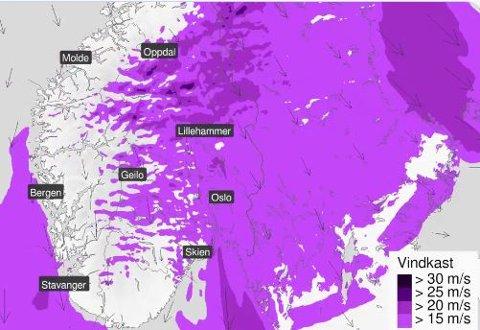 I Indre Østfold vil det blåse friskt på onsdag. Folk bes om å sikre tingene sine.