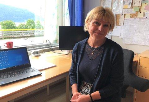 Åse Julusmoen er tilsett som ny rektor ved Leikanger ungdomsskule frå 1. september i år.