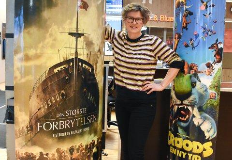 ÅPNER IGJEN: Kinosjef Hilde Hem er glad for å kunne ønske publikum velkommen tilbake til kinosalene etter to ukers korona-nedstengning.