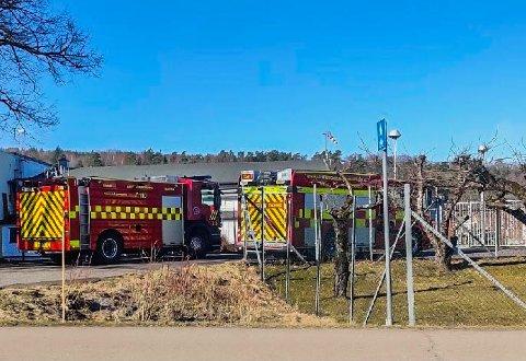 GASSALARM: Under arbeid på kjøleanlegget til Findus, gikk gassalarmen. Brannvesenet rykket ut, og samtidig gikk en tilsvarende alarm på Wilhelmsen Chemicals lenger ute på Nøtterøy. Dermed måtte brannvesenet kjøre utrykning også dit.