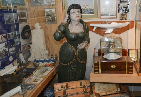 Sjøfartssamling: Lindgard skuteminne består av gjenstander samlet fra mange spennende farvann, og forteller lokal og internasjonal kysthistorie.