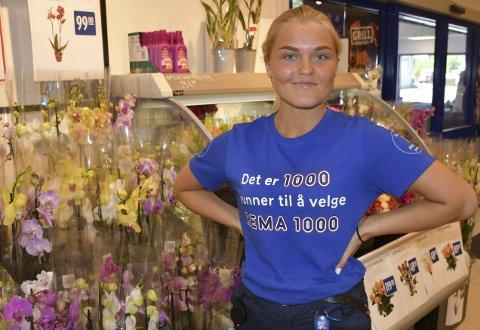 Sommer med to jobber: For Miriam Carlsen blir det en travel sommer i Tvedestrand før hun flytter til Bergen sammen med venner hun traff i Forsvaret.