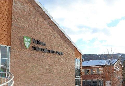 Negative tester: Alle avgangselever ved Valdres vidaregåande skule har testa negativt for koronavirus. Torsdag ble imidlertid et knippe yngre elever også testa.