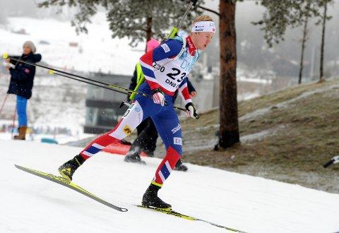 AVGJORDE PÅ SISTESLØYFA: Sindre Pettersen parkerte tetgruppa de siste meterne og vant supersprinten i skiskyting fredag.