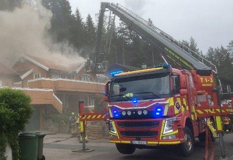 FERDIGETTERFORSKET:Fra brannen i Tøyenåsen i Hakadal pinseaften.