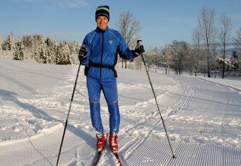 Supersprek pensjonist Even Ramskjell(75) er en av mange godt voksne mosjonister som Amtas kommentator stadig vekk møter ute i skiløypene i Frogn.   Både Even og de andre nyter godt av skigruppas fantastiske jobb med skiløyper.