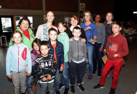 Flott innsats: Denne gjengen var blant de mange frivillige som sørget for loppemarkedet på Seiersten 4. og 5. mai.