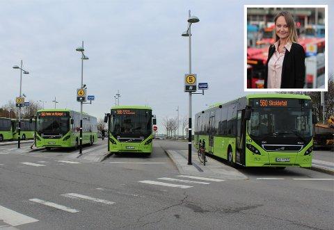 IKKE BRUK BUSSEN: Ruter oppfordrer alle til ikke å bruke bussen i helgen med mindre det er helt nødvendig.