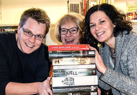 Biblioteksjefene Torstein Aasbrenn i Alvdal (bak fra venstre), Tone Thorsen Stræte i Tynset og Ellen Vibeke Nygjelten i Tolga.