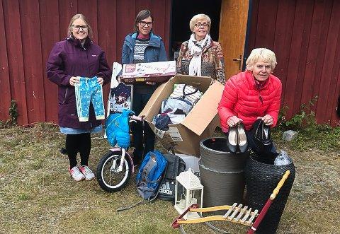 KLARE: Denne gjengen tar imot lopper i Kjæreng denne uka. Fra venstre: Ingveig Lervang Hagen, Karin Haug, Bergjlot Aune og May Solveig Barmoen. Britt N. Sagli er også med i komiteen.
