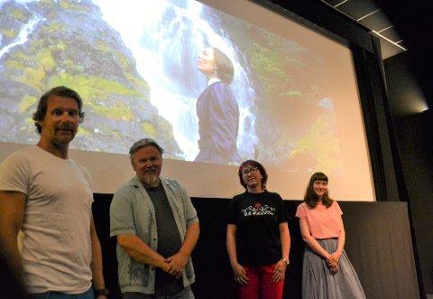 De har hatt en finger med i spillet: Fra venstre Thomas Negård (dronefilming), Tommy Fossum (produksjonsselskapet), Eva Heidi Lund Silseth (produksjonsselskapet) og Tina Fløistad (inspisient i Ladyen).