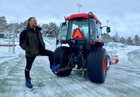 SKRUDDE AV: Daglig leder Terje Frøyna har skrudd av undervarmen på Kjempesteinsmyra.