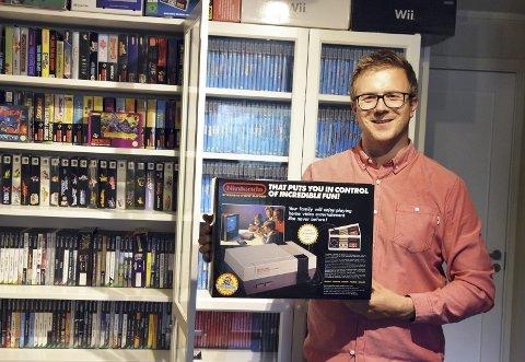 Morten Knutsen er storsamler av gamle spill og spillkonsoller. Klassiske tv-spill som Nintendo har fortsatt mange tilhengere.